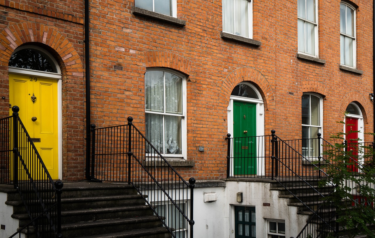 Failed property transactions cost UK consumers millions, terraced houses with steps